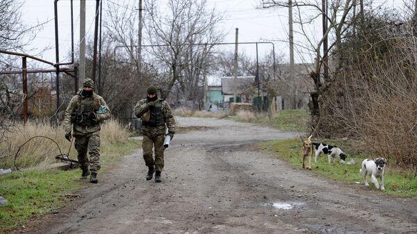 Украинские военные на линии разграничения в Донбассе. 28 ноября 2018