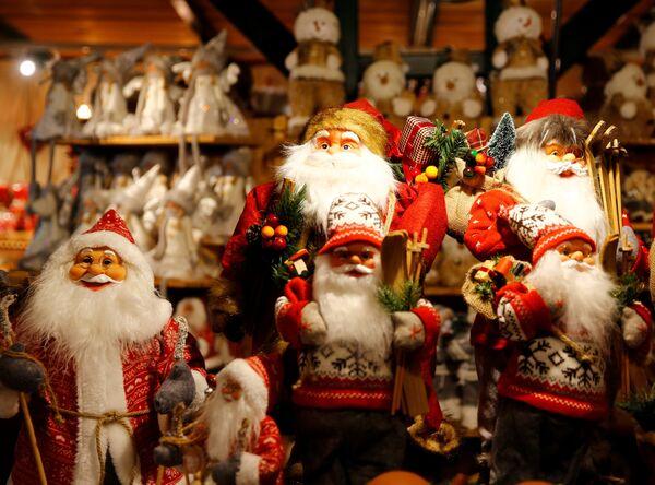Игрушки на рождественской ярмарке в Зальцбурге
