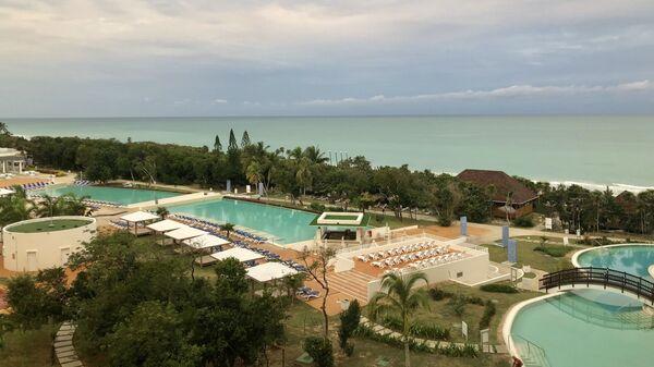 Вид на один их отелей Варадеро, Куба