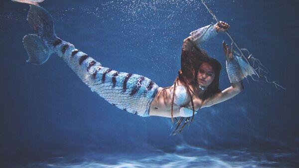 Юлия Харченко в образе русалке