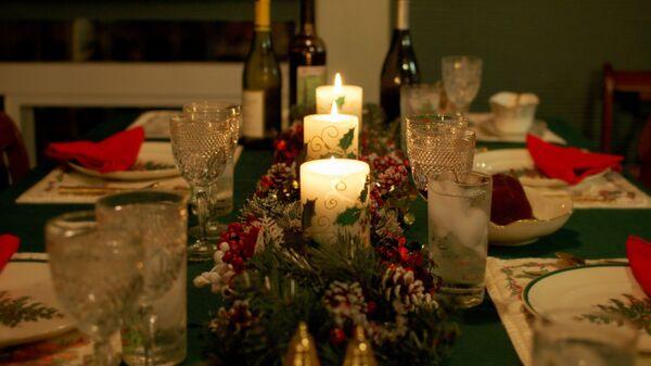 Классический стол для семейного застолья