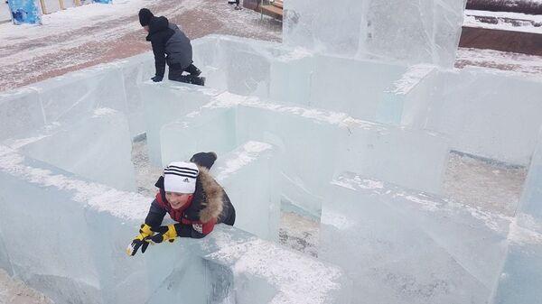 Ледяной лабиринт в городе Корсаков