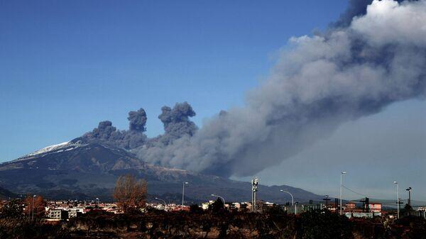 Извержение вулкана Этна, Сицилия. 24 декабря 2018