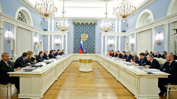 Дмитрий Медведев проводит заседание правительственной комиссии по цифровому развитию, использованию информационных технологий. 25 декабря 2018