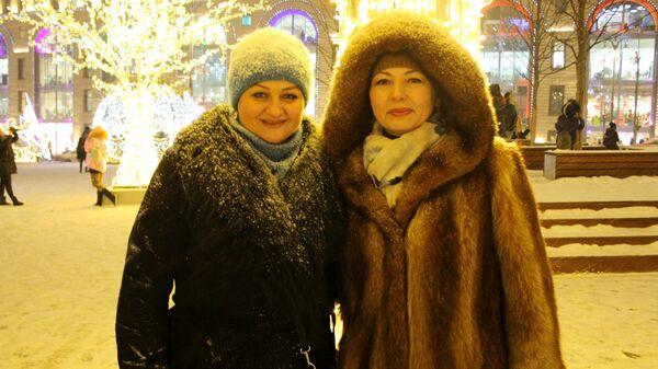 Евгения и Елена на Лубянской площади