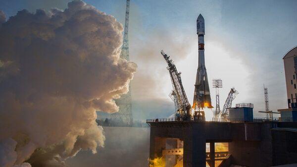 Пуск ракеты-носителя Союз-2.1а с космодрома Восточный