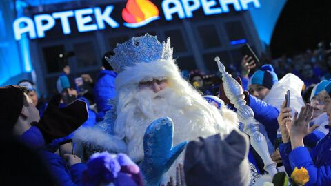Дед Мороз из Великого Устюга прибыл с визитом в МДЦ Артек
