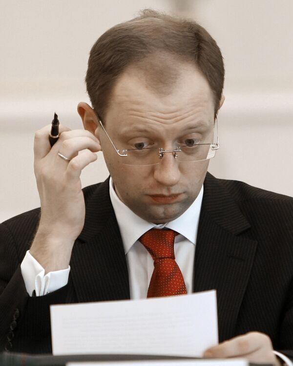 Арсений Яценюк - первая заявка на президентство