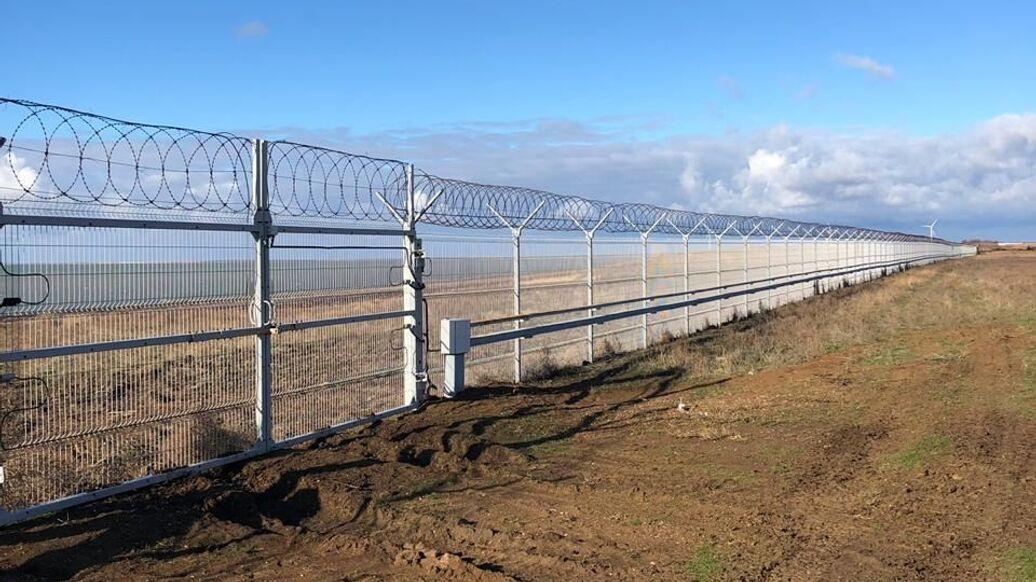 В Крыму рассказали, зачем построили заграждение на границе с Украиной