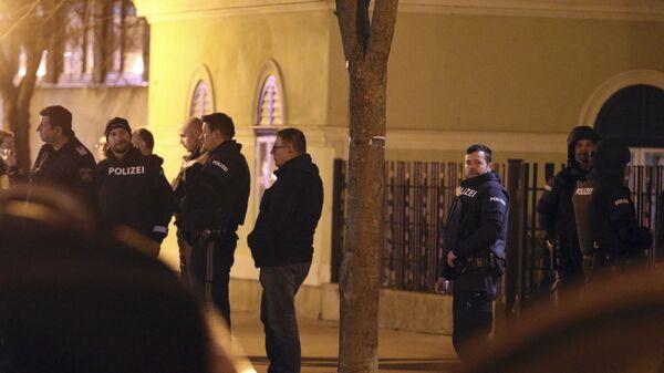 Полиция возле церкви в Вене, Австрия. 27 декабря 2018