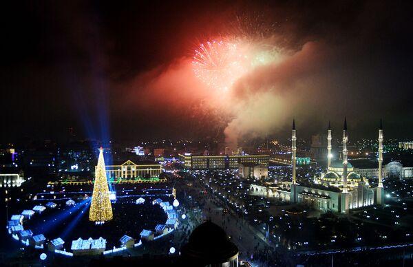 Салют во время празднования Нового года - 2019 в Грозном