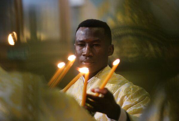 Служба в Свято-Троицком кафедральном соборе в Екатеринбурге во время рождественского богослужения. 7 января 2019