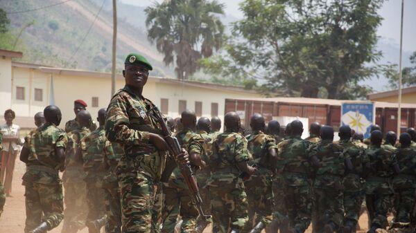 Бывшие боевики экстремистских группировок ЦАР в образовательном армейском центре в Беренго