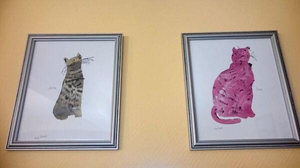 Рисунки кошек на территории Богородице-Рождественского женского монастыря в селе Барятино, Калужская область