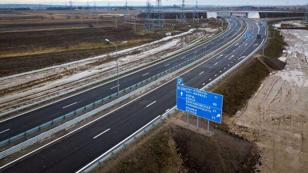 Транспортная развязка в разных уровнях на 73-м км трассы А-290 Новороссийск — Керчь возле села Джигинка близ Анапы. Архивное фото
