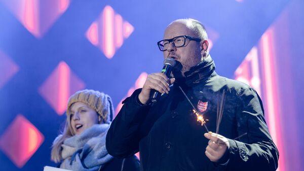 Мэр польского Гданьска Павел Адамович во время благотворительного концерта. 13 января 2018
