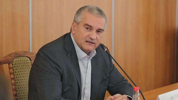 Глава Республики Крым Сергей Аксенов во время совещания по проблемным вопросам Феодосии. 15 января 2019