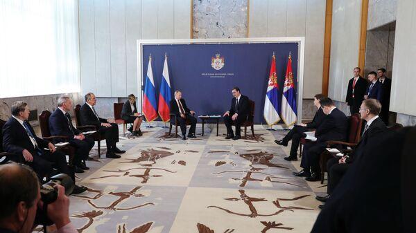 Президент РФ Владимир Путин и президент Республики Сербии Александр Вучич во время встречи в Белграде. 17 января 2019