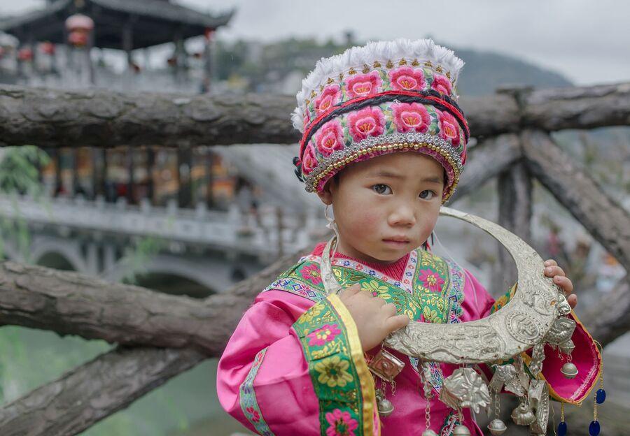Китай. Девочка, народность Мяо