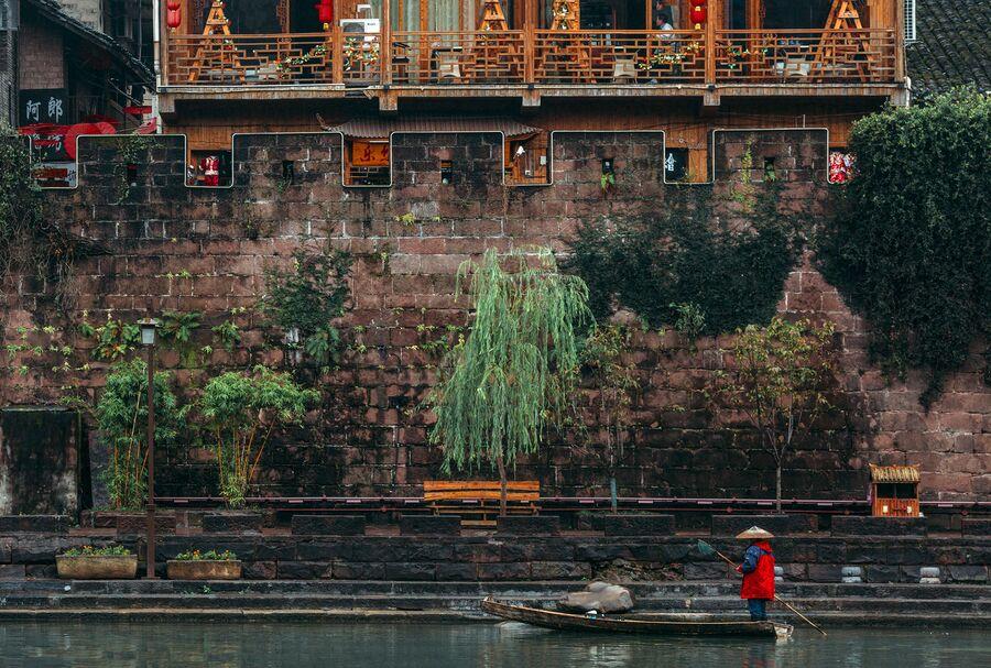 Набережная города Фенхуан