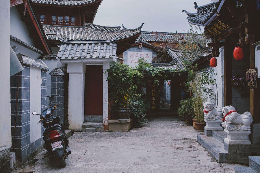 Лабиринты старых улиц города Лицзян