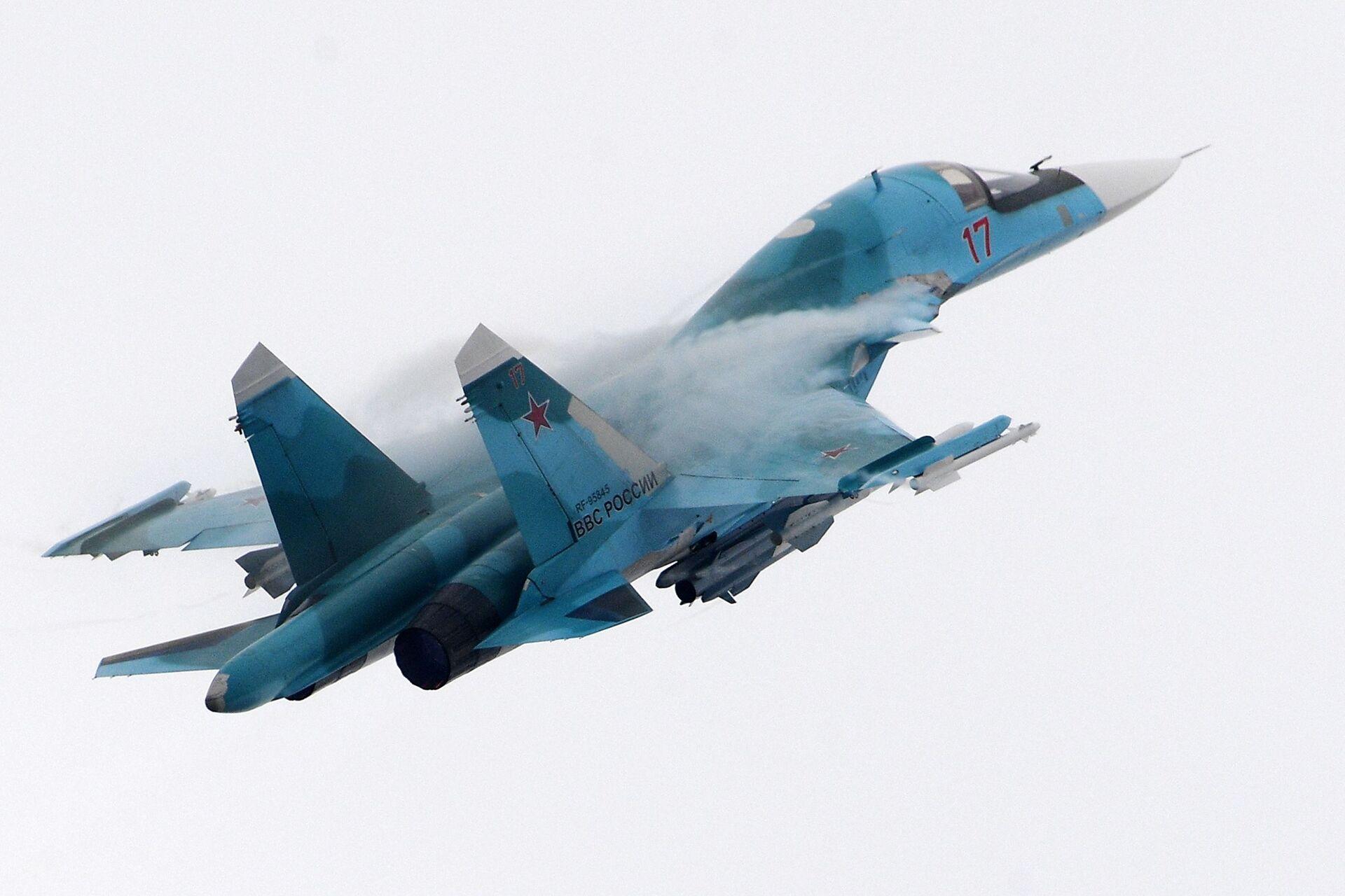 Российский многофункциональный истребитель-бомбардировщик Су-34 - РИА Новости, 1920, 26.05.2021