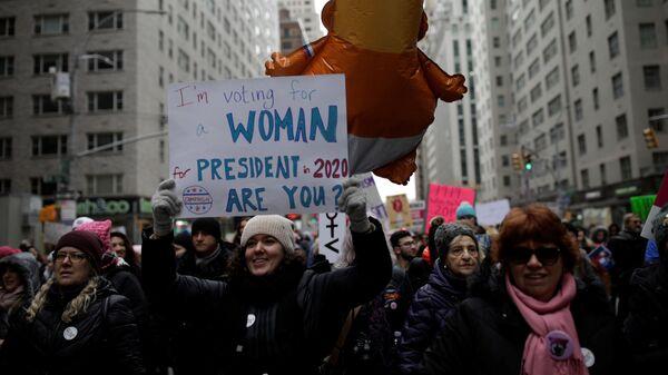 Женский маршна Манхэттене, Нью-Йорк. 19 января 2019