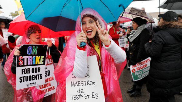 Забастовка учителей государственных школ Лос-Анджелеса в Гардене, Калифорния, США. 16 января 2019