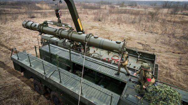 Транспортно-заряжающая машина комплекса Искандер-К с крылатыми ракетами Р-500