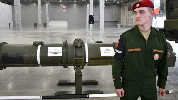 Ракета 9М729 в выставочном павильоне КВЦ Патриот в Московской области