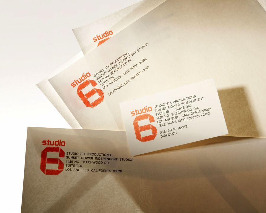 Документы с логотипом фейковой Шестой студии