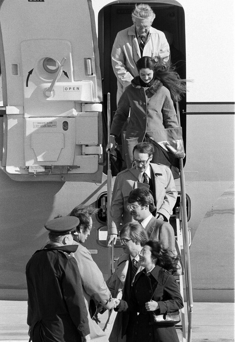 Возвращение американских дипломатов, вывезенных из Ирана, домой. 1980 год