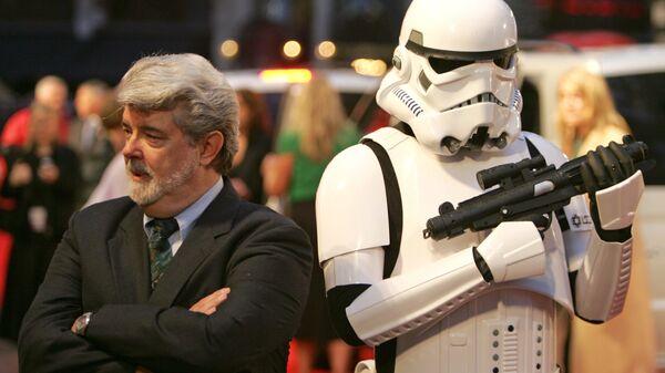 Режиссер Джордж Лукас на премьере фильма Звёздные войны: Эпизод 3 – Месть Ситхов. 2005 год