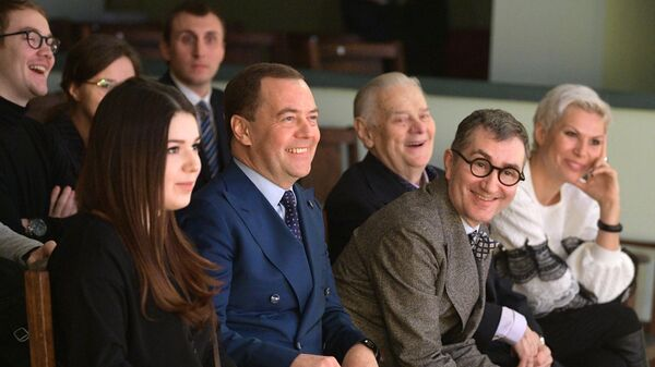Дмитрий Медведев и ректор ГИТИСа Григорий Заславский во время встречи со студентами в Учебном театре в День Российского студенчества. 25 января 2019
