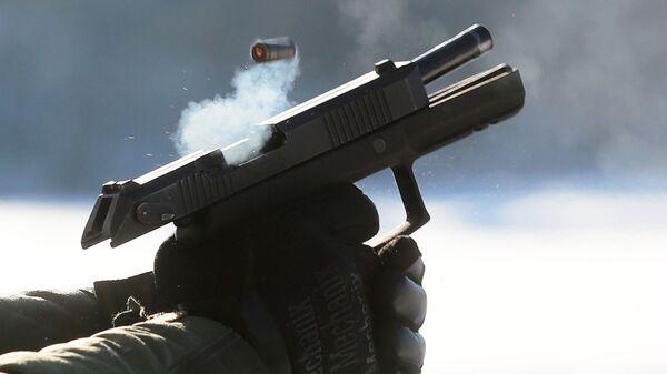 Испытание на полигоне самозарядного пистолета Удав