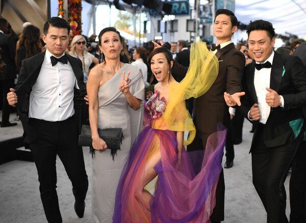 Актеры фильма Безумно богатые азиаты на церемонии вручении премии Гильдии киноактеров США