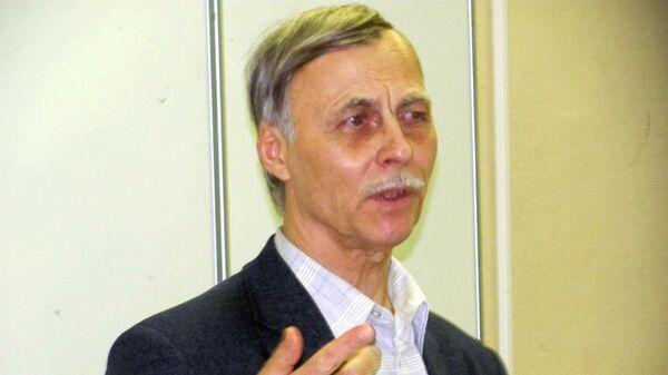 Профессор факультета журналистики МГУ им. Ломоносова Александр Тертычный