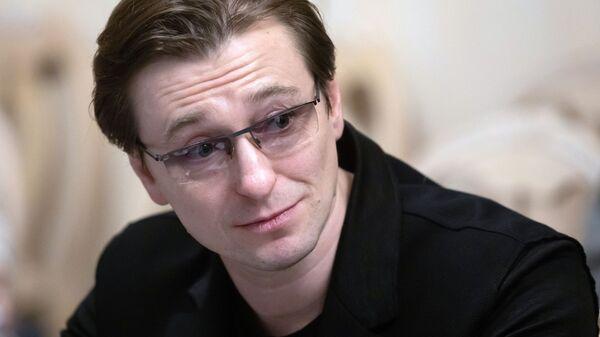 Сергей Безруков перед началом первого заседания Общественного совета при комитете Госдумы по культуре. 28 января 2019