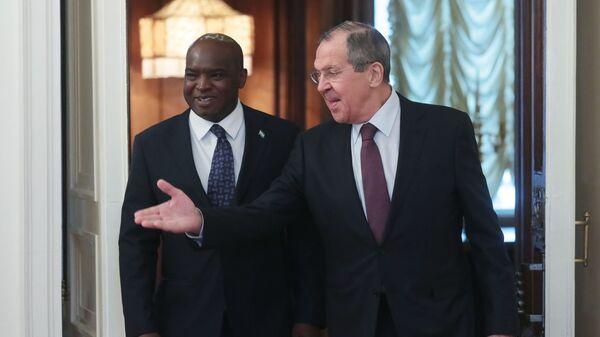 Министр иностранных дел РФ Сергей Лавров и министр иностранных дел Сьерра-Леоне Али Кабба во время встречи в Москве. 29 января 2019