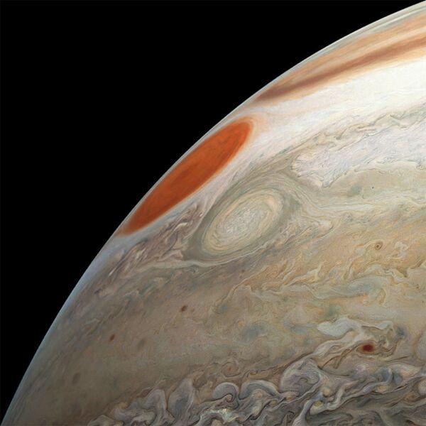 Снимок космического аппарата НАСА Юнона южного полушария Юпитера
