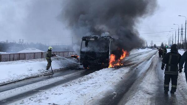 Ликвидация возгорания в автобусе в Гатчинском районе Ленинградской области. 5 февраля 2019