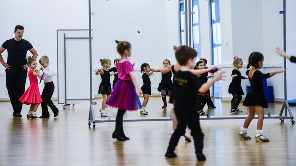 Тренировка по спортивным танцам в ледовом дворце спорта Айсберг в Сочи