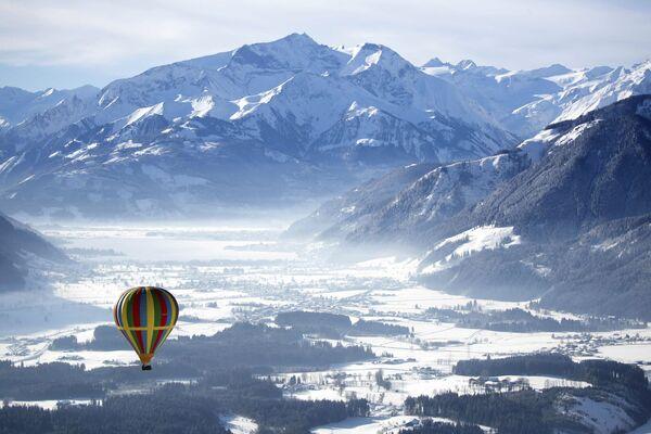 Воздушный шар над Целль-ам-Зе, Австрия