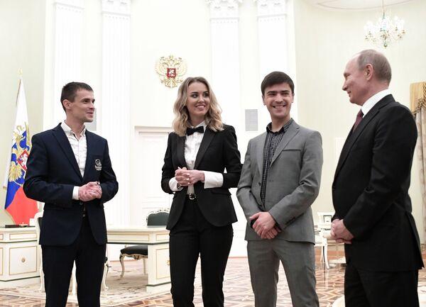 Президент РФ Владимир Путин во время встречи с победителями национальной премии Немалый бизнес - 2019