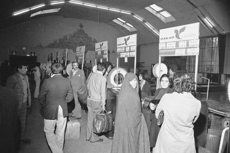 Ðозобновление полеÑов в ТегеÑане. 13 ноÑбÑÑ 1978