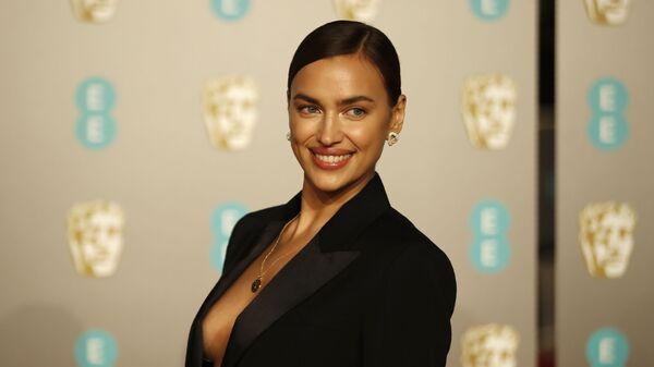 Ирина Шейк на церемонии вручения премии BAFTA в Лондоне