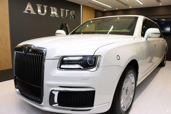 Автомобиль Aurus на международной выставке вооружений IDEX-2019 в Абу-Даби