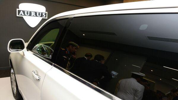 Презентация автомобиля Aurus на международной выставке вооружений IDEX-2019