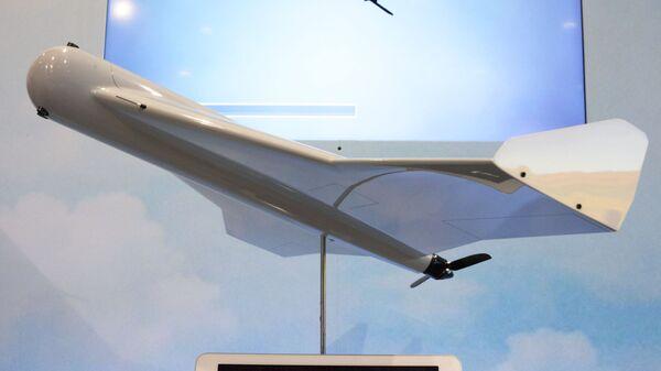 Беспилотник-камикадзе KYB, произведенный концерном Калашников, на международной выставке вооружений IDEX-2019 в Абу-Даби
