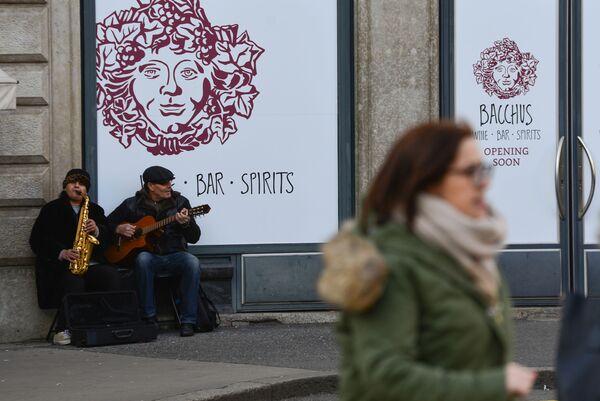 Уличные музыканты на одной из улиц Женевы